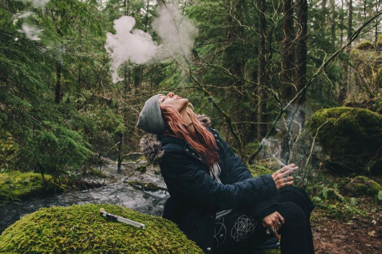 Any Tips about Hiking With a Vape Pen In Australia? | VapePenZone