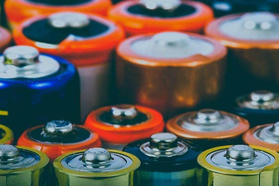 Juulバッテリー:安全を使用するにはどうすればよいか? | Vapepenzone Japan
