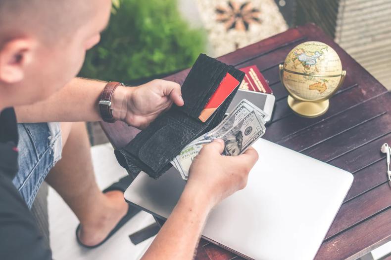 Do You Spend More Money on Vapes In Australia? | VapePenZone