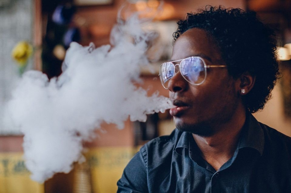 Is It Safe To Vape Without Nicotine? | Vapepenzone