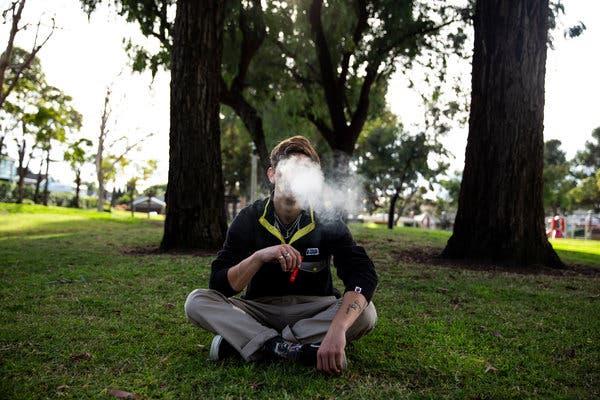 なぜPuff Barがより良い喫煙の選択肢と言われたのか? | Vapepenzone Japan